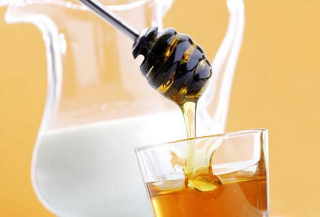 สูตรการพอกหน้าด้วยน้ำผึ้ง เติมความสดใสให้ผิวหน้า - สำหรับผิวแห้ง